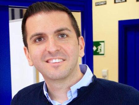 Óscar Porras: «Nuestras oportunidades laborales se multiplicarán en cuanto dominemos el idioma»